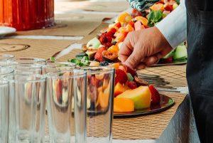 Co sprawdzić przed nawiązaniem współpracy z firmą cateringową?